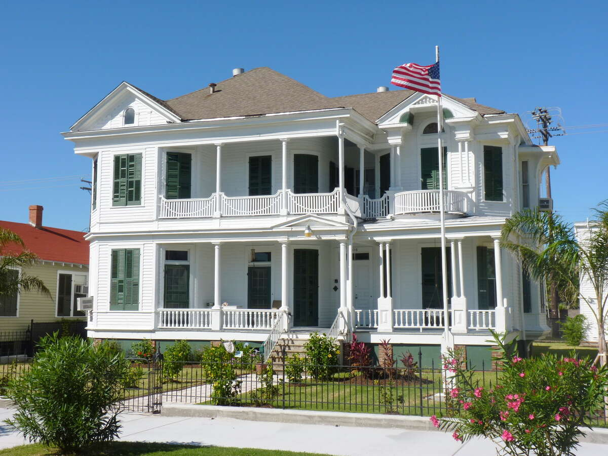 When Kelli and Michael Anderson bought the Waters House a year ago, it had been painted white.
