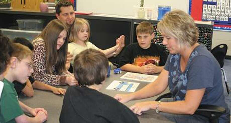 Speech therapist Shari Etzel works with HLC students.