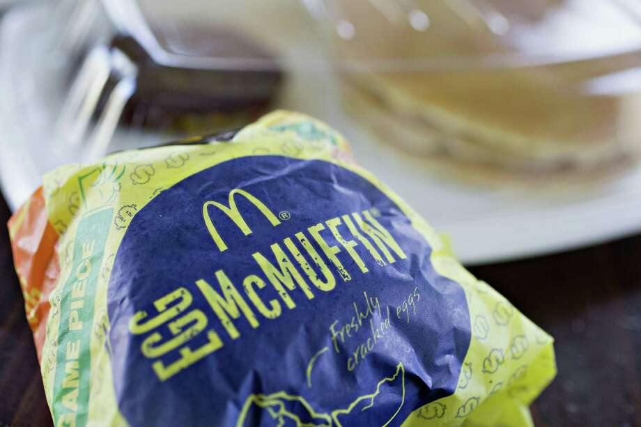 McDonald's McMuffin breakfast sandwich lineup (without the English muffin) gives you a carb-friendly, quick bite when running late in the morning. It has two grams of carbs without the muffin. Each sandwich (is it still a sandwich without the muffin?) packs 12 grams of protein.  Source: Healthline  Photo: Daniel Acker /Bloomberg / © 2016 Bloomberg Finance LP