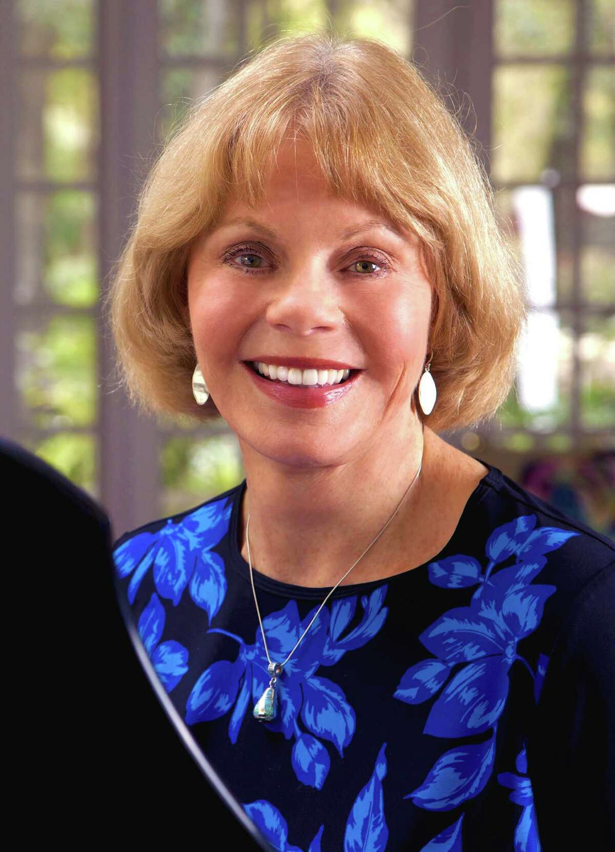 Toni Tennille's new memoir shares the private misery of her relationship with the Captain, Daryl Dragon.