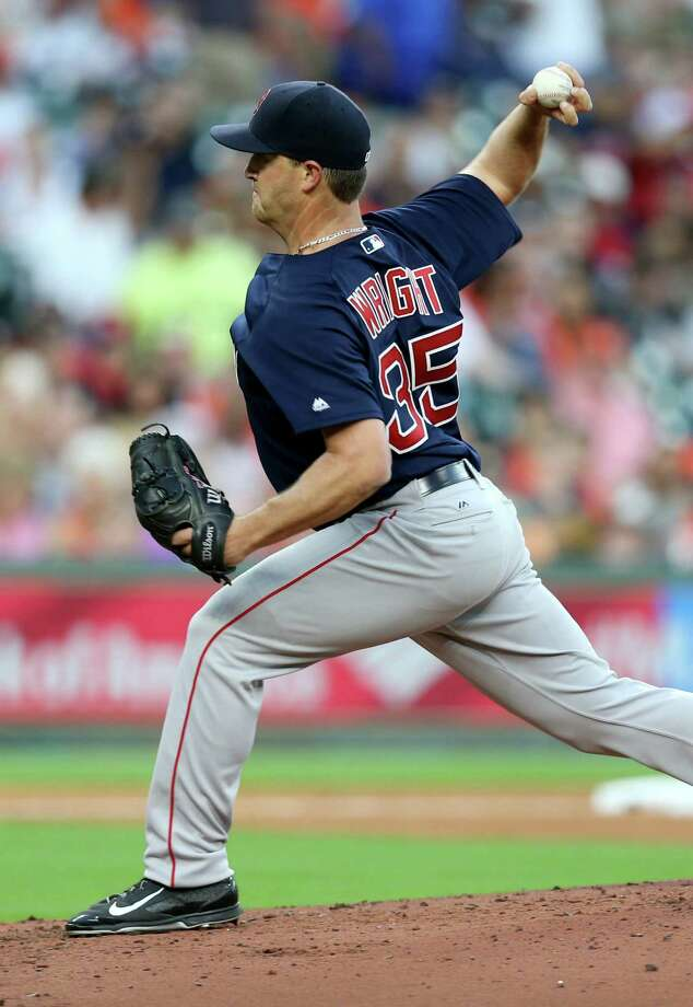 The Astros look to put pressure on knuckleballer Steven Wright, who has had an exceptional start to his season. Photo: Gary Coronado, Houston Chronicle / © 2015 Houston Chronicle