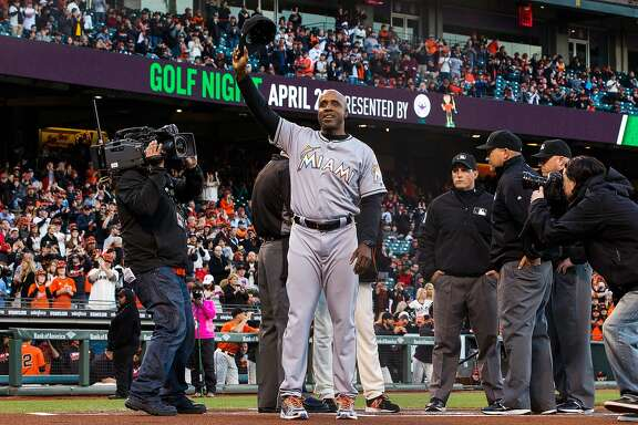 SAN FRANCISCO, CA - APRIL 22: Barry Bonds #25 of the Miami Marlins waves his cap after presenting a lineup card before the game against the San Francisco Giants at AT&T Park on April 22, 2016 in San Francisco, California.  (Photo by Jason O. Watson/Getty Images)