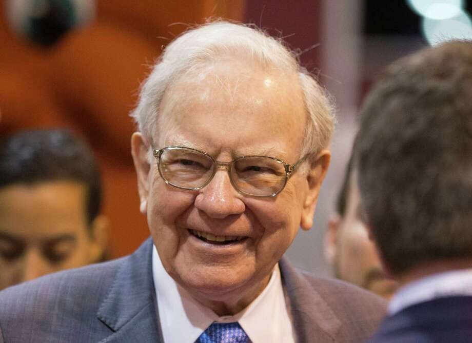 Billionaire Warren Buffett will be inducted into the Texas Business Hall of Fame in a San Antonio gala Oct. 27, the organization announced Monday. Photo: AP / AP