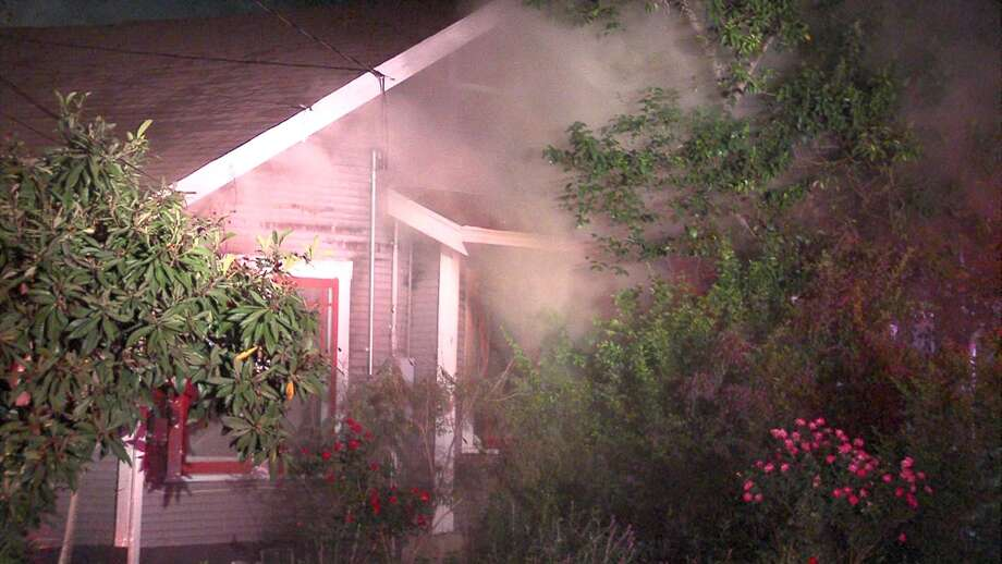 San Antonio Fire Department crews responded to a house fire in the 700 block of West Hollywood Avenue early Tuesday morning. Photo: 21 Pro Vifro
