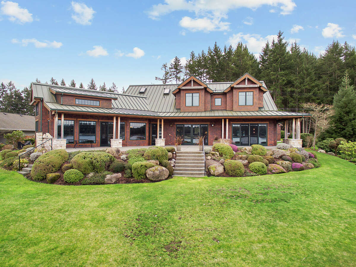 Pierce County's Fox Island has become something of a wealthy retreat for people from Tacoma. Today, we look at a home there at 715 Chinook Drive. The full listing is here.