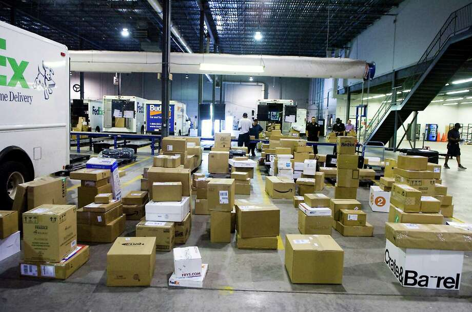 On April 26, 2016, Pitney Bowes released a new SendPro cloud application allowing smaller businesses to track shipments across major carriers, including FedEx, UPS and the U.S. Postal Service. Pictured is a FedEx facility in Stamford, Conn. where Pitney Bowes is based. Photo: Kathleen O'Rourke / ST / Stamford Advocate