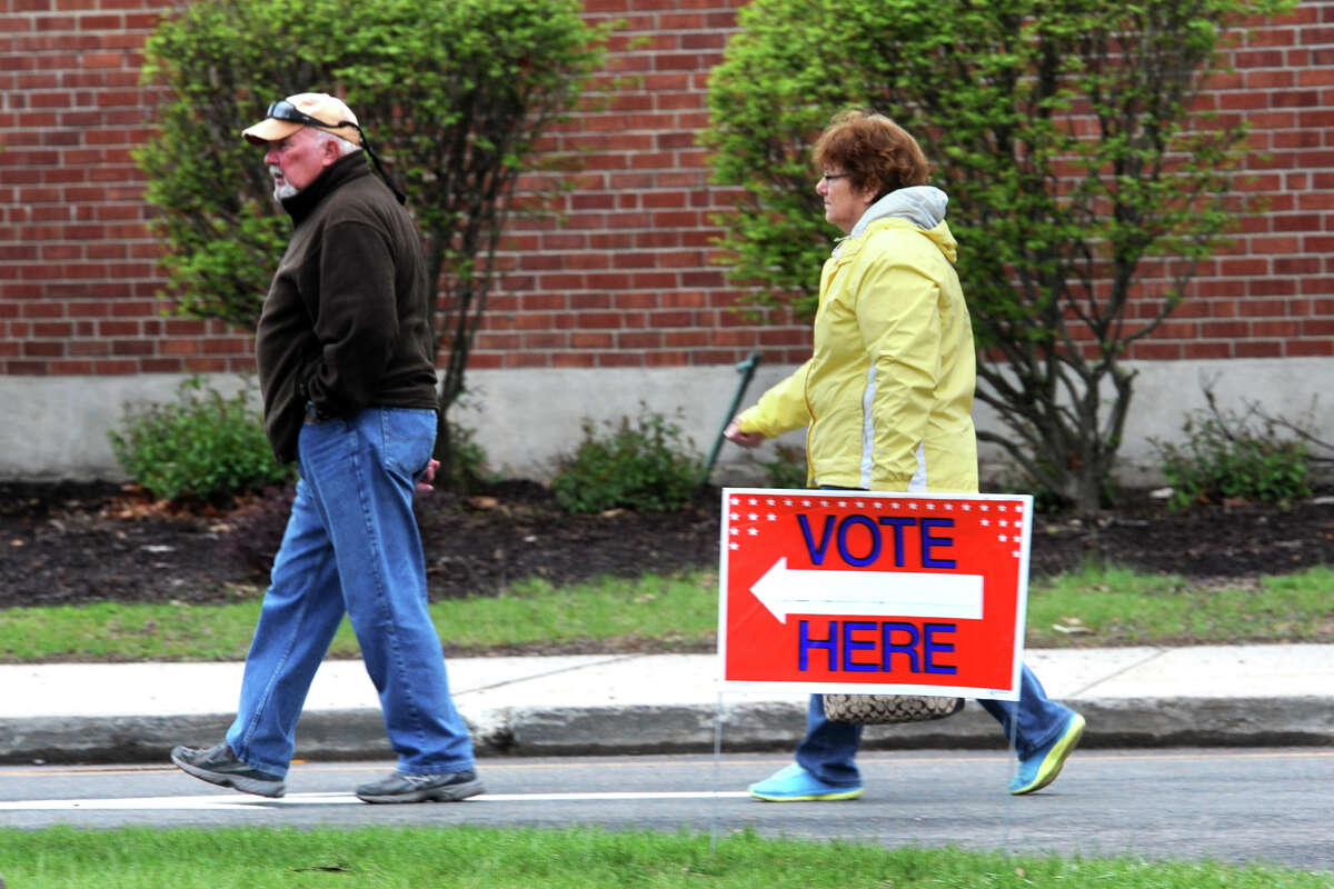 Voters turn out for the presidential primary at Bunnell High School, in Stratford, Conn. April 26, 2016.