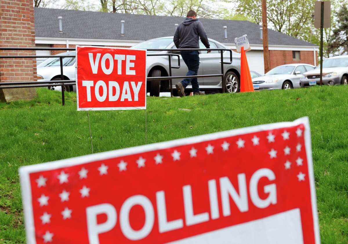 Voting age population, 201445-64 years Connecticut: 36.7% of populationUnited states: 34.1% of populationSource: U.S. Census