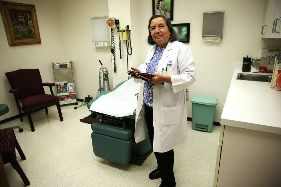 Dr. Elizabeth Torres in her small practice in Sugarland on Wednesday, April 20, 2016. ( Elizabeth Conley / Houston Chronicle ) Photo: Elizabeth Conley, Staff / © 2016 Houston Chronicle