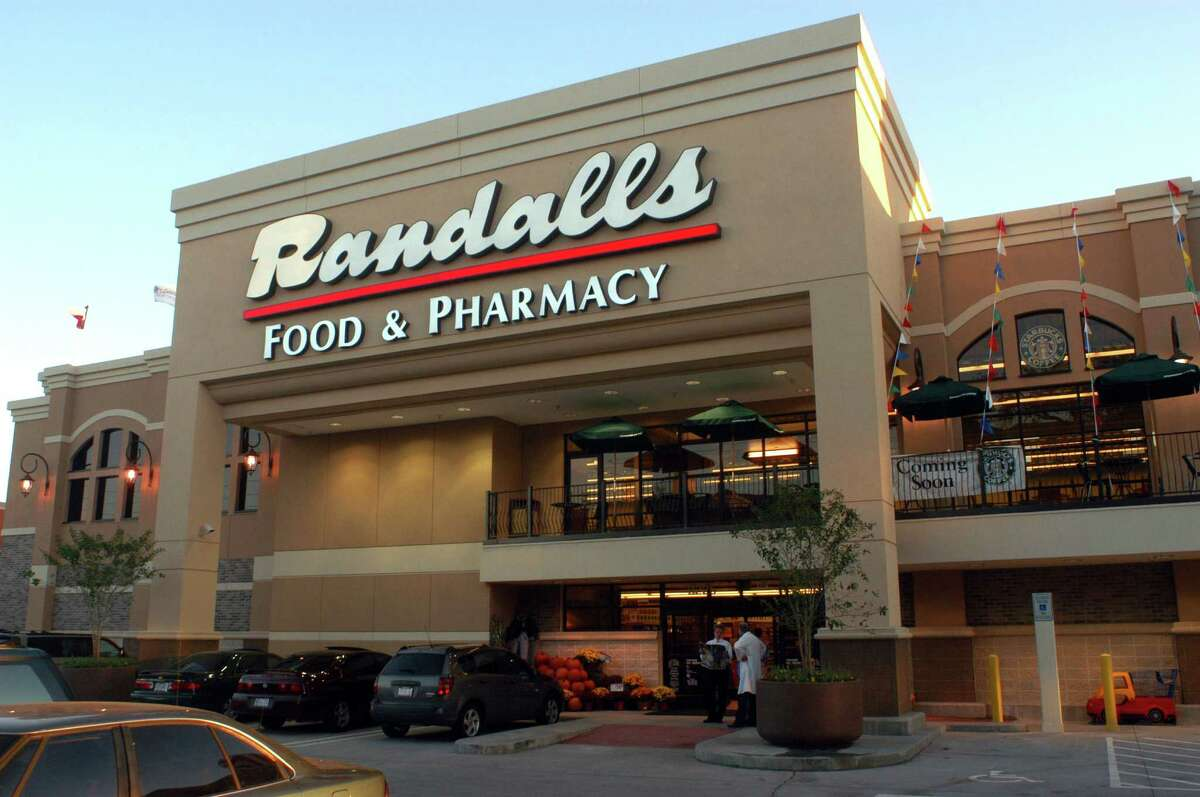 The Randalls in Midtown at the intersection of Louisiana and Webster opened Oct. 16, 2002. (Dave Rossman/Special to the Chronicle)