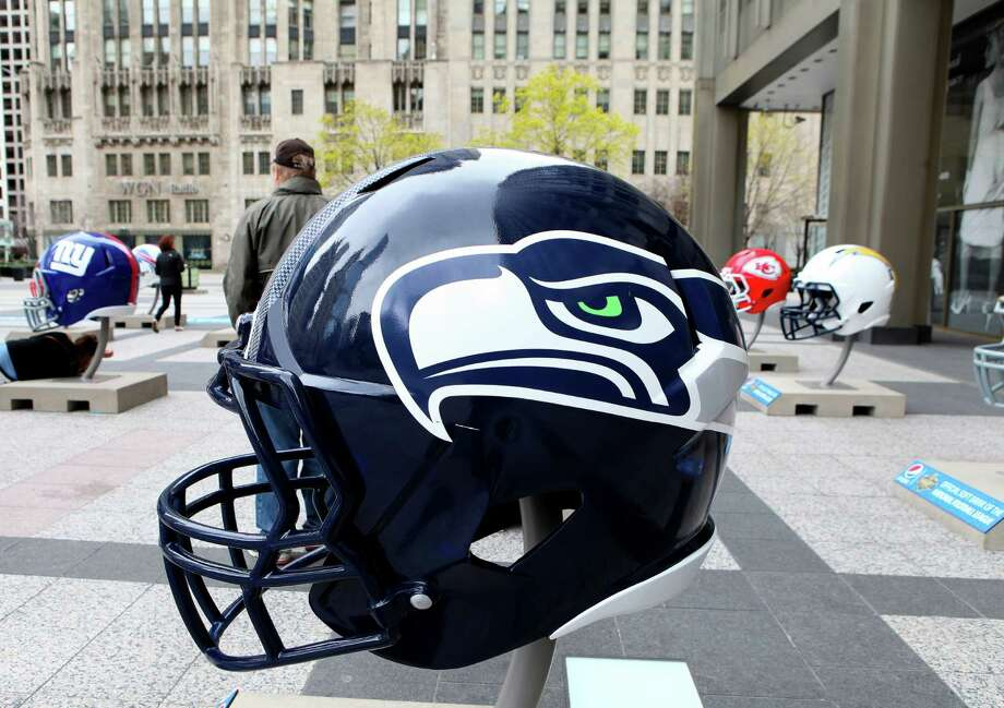 Offensive and defensive linemen are popular picks to don a Seahawks helmet after the 2016 NFL draft's first round in Chicago on Thursday. Photo: Raymond Boyd, Getty Images / 2015 Raymond Boyd