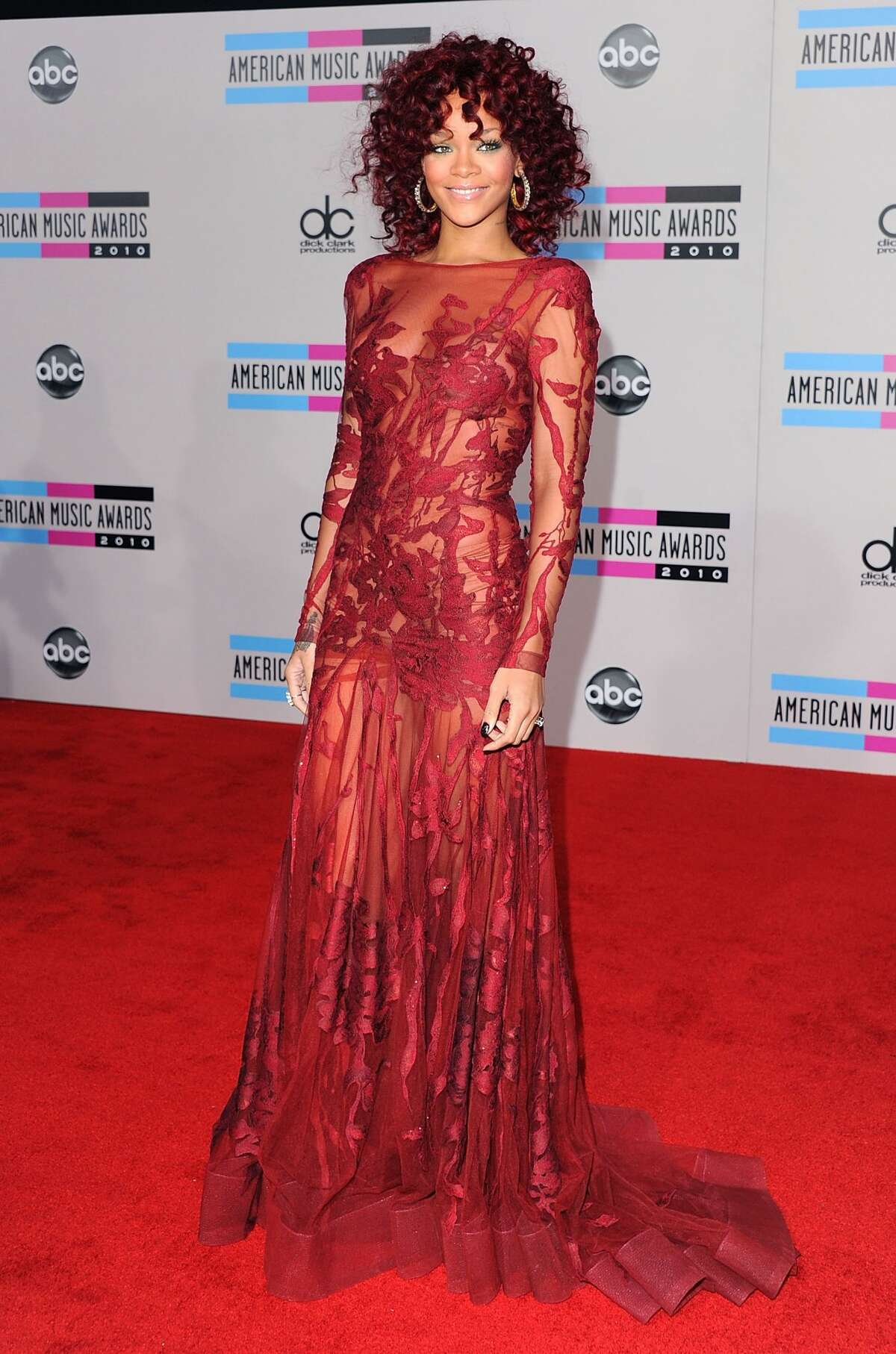 LOS ANGELES, CA - NOVEMBER 21: Singer Rihanna arrives at the 2010 American Music Awards held at Nokia Theatre L.A. Live on November 21, 2010 in Los Angeles, California. (Photo by Jon Kopaloff/FilmMagic)