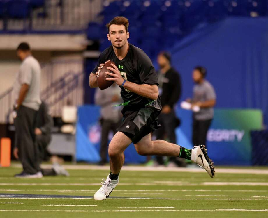 Quarterback Paxton Lynch put Memphis football on the map, but one NFL analyst said Lynch is a year away from starting in the league. Photo: L.G. Patterson, FRE / FR23535 AP