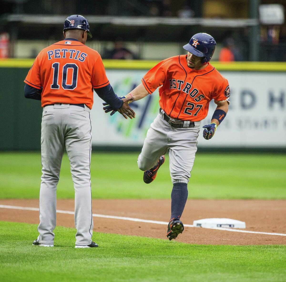 Houston Astros' Jose Altuve heads home after slapping a solo home run of Seattle Mariners pitcher Hisashi Iwakuma on Wednesday, April 27, 2016, at Safeco Field in Seattle.