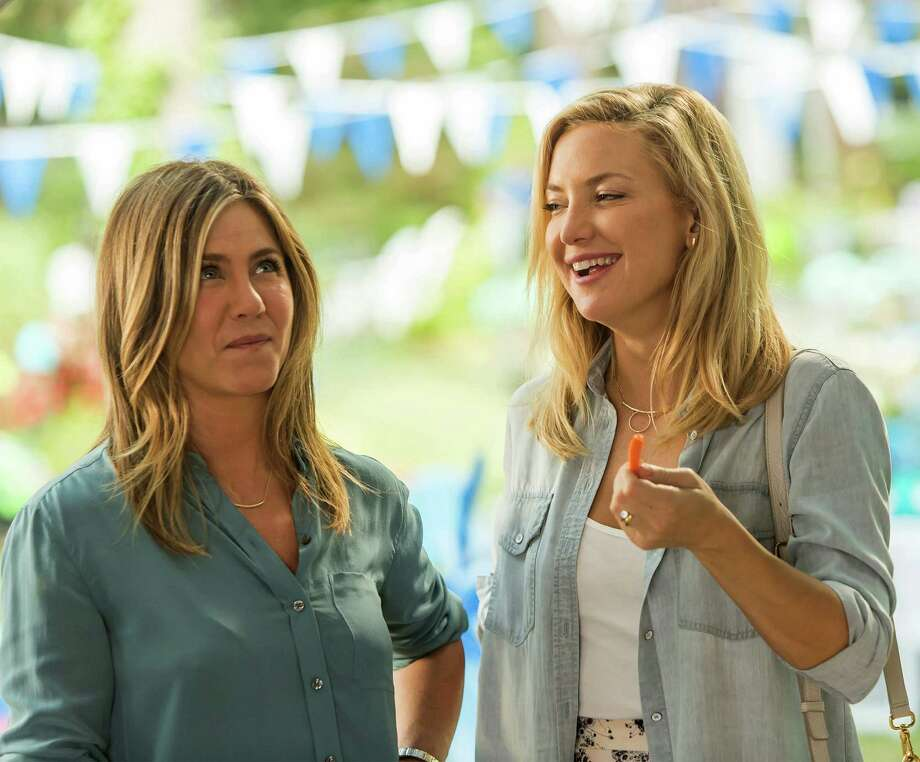 """Jennifer Aniston (left) and Kate Hudson star in """"Mother's Day."""" Photo: Ron Batzdorff /Open Road Films / © 2016 - Open Road Films"""
