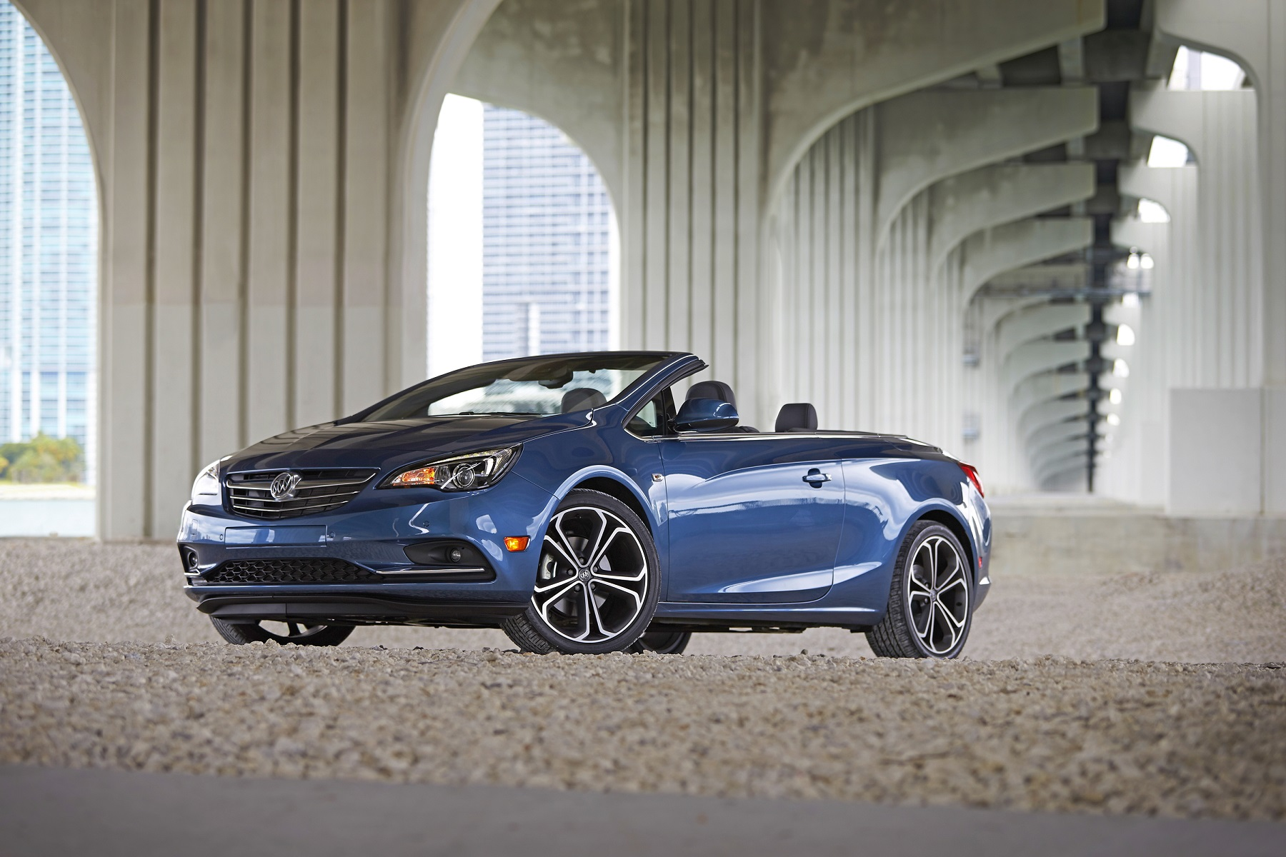 Buick takes bold step to boost market appeal