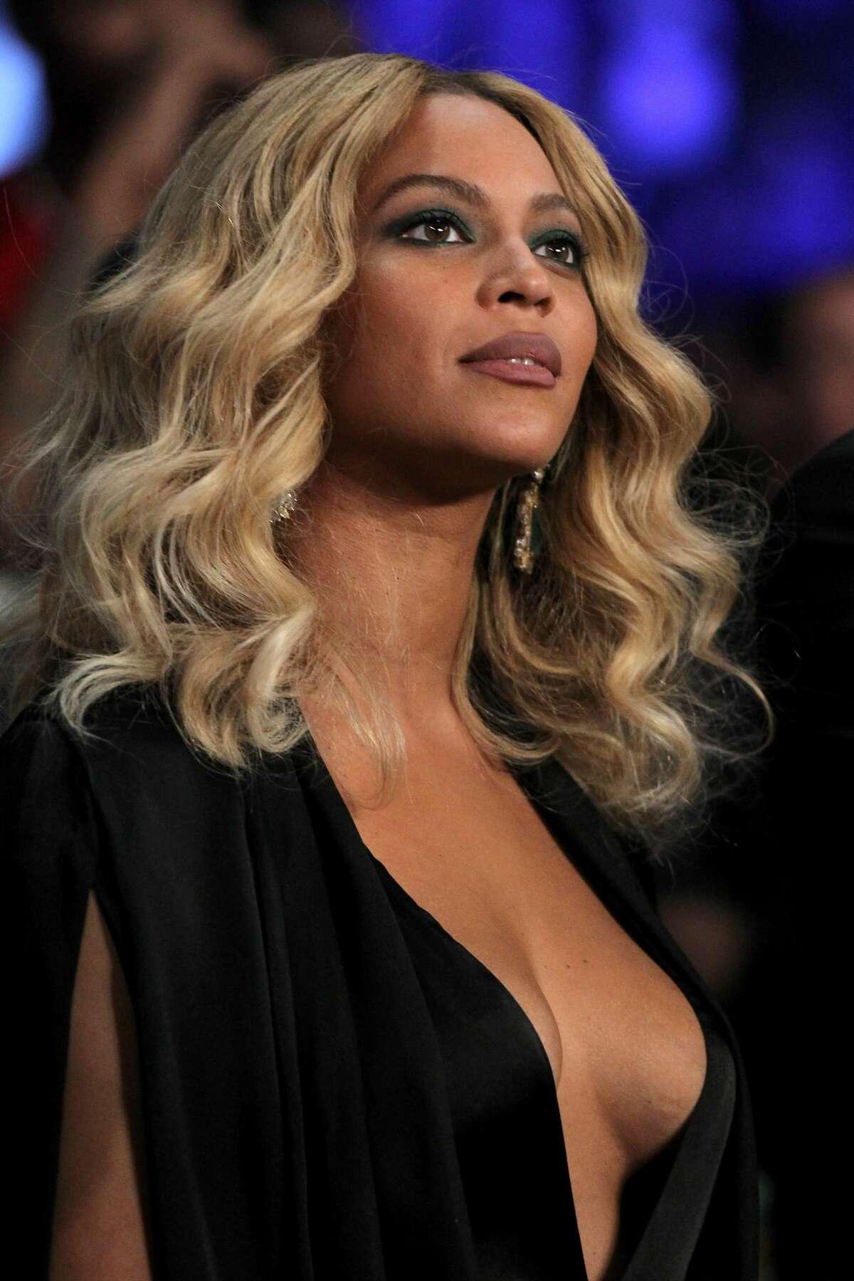 Beyonce Knowles >>>