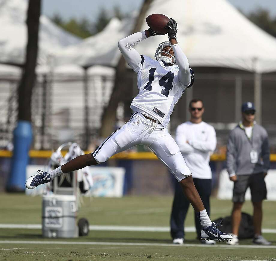 Eric Rogers during training camp with the Cowboys in 2013. Photo: Kin Man Hui, San Antonio Express-News