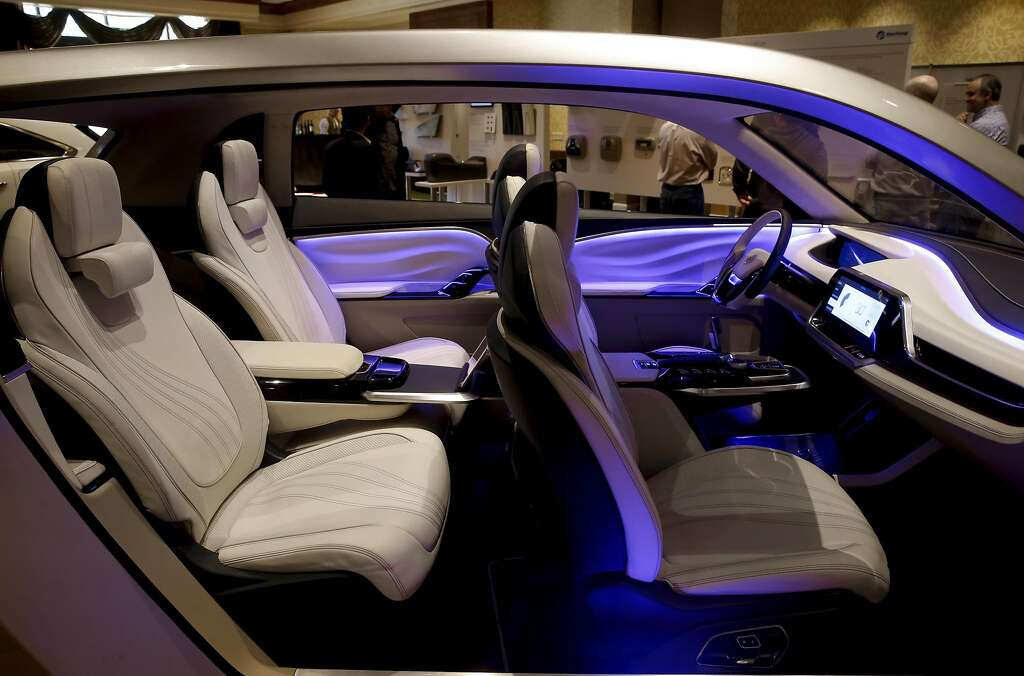 Self driving cars what should the inside look like sfgate yanfeng automotive interiors a supplier of automotive interiors offered a sneak peek at its solutioingenieria Gallery