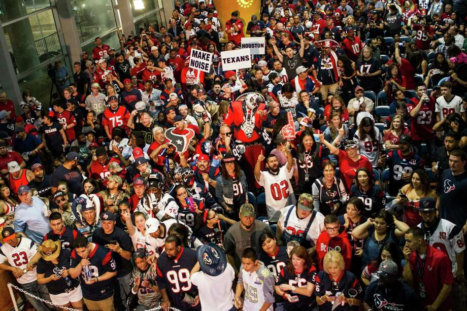 Houston Texans fans gather as they wait for the Texans No. 1 selection in the NFL Draft at NRG Stadium on Thursday, April 28, 2016, in Houston. The Texans traded up to take Notre Dame wide receiver Will Fuller with the 21st pick overall. Photo: Brett Coomer, Houston Chronicle / © 2016 Houston Chronicle