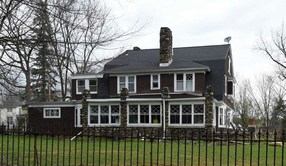 Click through the slideshow for some current examples of Dutch architecture in the Capital Region. Exterior view of a Dutch colonial at 7 Jane's Avenue on Friday, April 22, 2016, in Round Lake, N.Y.    (Skip Dickstein/Times Union) Photo: SKIP DICKSTEIN / 10036287A