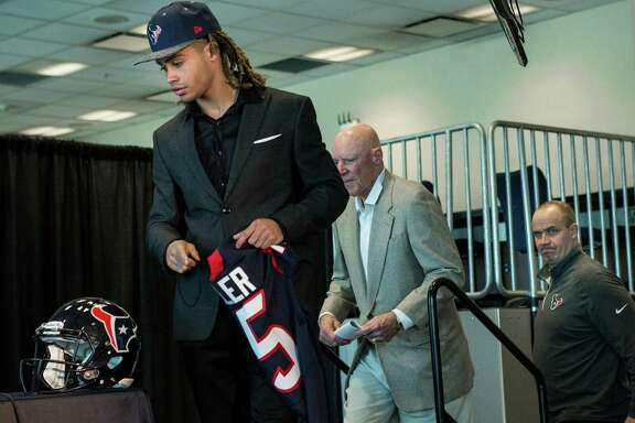 Houston Texans top draft pick, Notre Dame wide receiver Will Fuller, walks onto the dias as he is introduced during a news conference at NRG Stadium on Friday, April 29, 2016, in Houston.