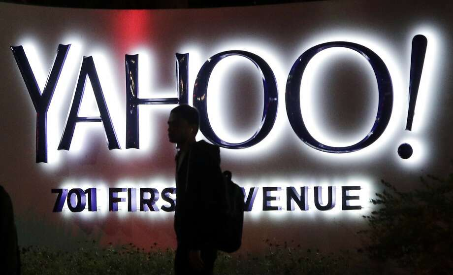 Internet pioneer Yahoo made a series of blunders beginning in 2007 that led to its downfall, analysts say. Photo: Marcio Jose Sanchez, Associated Press