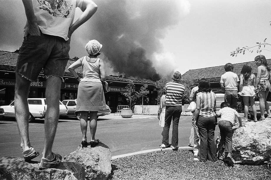 """""""Crowd and Fire, Red Hill, 1976,"""" is from """"What Is Remembered"""" at Rayko Photo Center. Photo: � Mimi Plumb"""