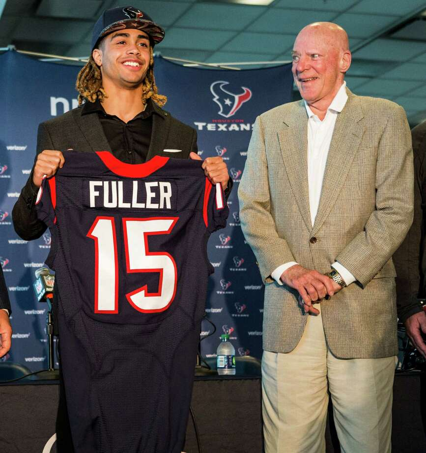 Round 1: Will Fuller, WR, Notre DameHeight/weight: 6-0, 186 Strengths: Reaches his top speed quickly and excels at taking the defense vertically, using his multiple gears to gain separation from defenders. Shows a knack for timing his jump and rarely misjudges the trajectory of downfield passes. Aggressively works to get his body situated so that that defenders have to go through him at the catch point. Shows a strong plant-and-go quickness in his breaks.Weaknesses: Is a bit on the lean side for an NFL receiver and his functional strength is below average, making him easily knocked off routes and unlikely to pick up extra yards following the initial contact. Has smallish hands and is sometimes prone to relying on body catches. Drops more passes than you'd like to see for a player with his ability and can be unreliable on contested balls. Photo: Brett Coomer, Staff / © 2016 Houston Chronicle