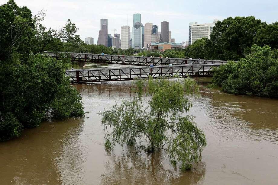 The Tax Day Flood at Buffalo Bayou. Photo: Elizabeth Conley, Staff / © 2016 Houston Chronicle