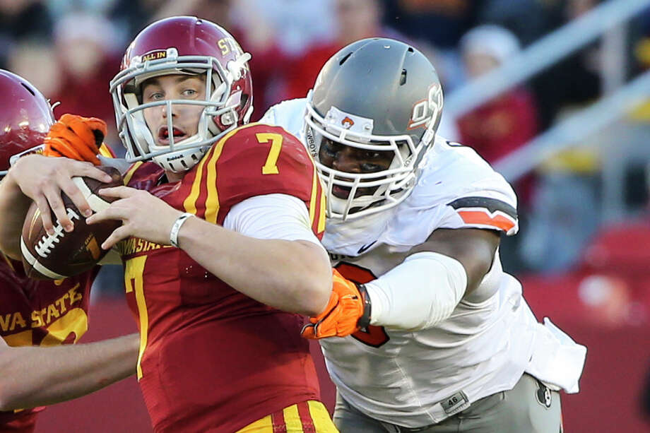 Emmanuel Ogbah was the Big 12's defensive player of the year as a junior in 2015 after leading the league in sacks with 12½ and wrapping up his three-year career at Oklahoma State with 28 total.  Photo: Justin Hayworth, FRE / FR170760 AP