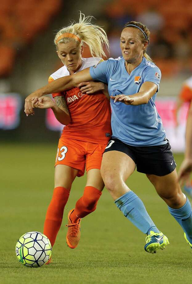 Houston Dash Denise O'Sullivan (13) battles against Sky Blue FC midfielder Ashley Nick (10) during the second half of a National Women's Soccer League game at BBVA Compass Stadium, Friday, April 29, 2016, in Houston. Photo: Karen Warren, Houston Chronicle / © 2016 Houston Chronicle