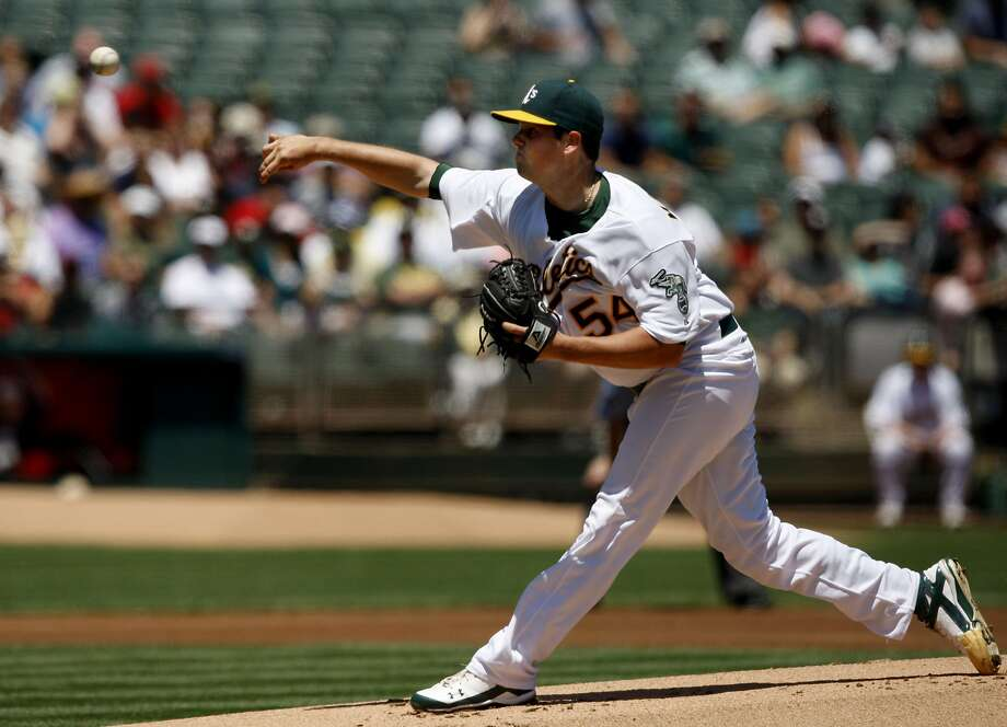 Remember Vin Mazzaro as a young starter with the A's in 2009 and 2010? He's now a Giants reliever, promoted Saturday when Mike Broadway was optioned. Photo: John Sebastian Russo, The Chronicle