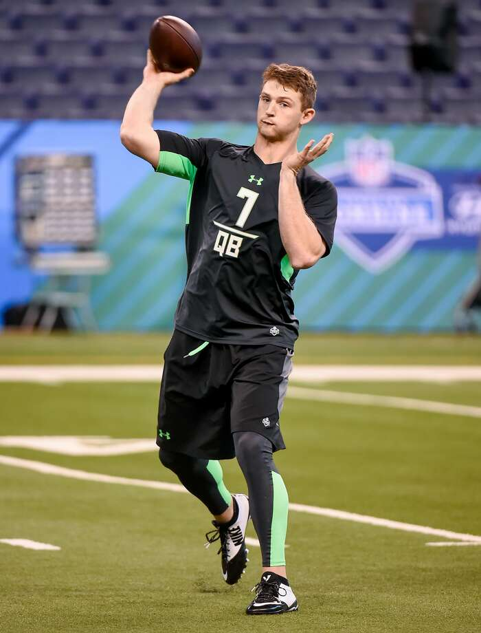 Louisiana Tech quarterback Jeff Driskel thows a pass as he runs a drill at the NFL football scouting combine, Saturday, Feb. 27, 2016, in Indianapolis. Photo: L.G. Patterson, AP