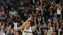 Danny Green gets the crowd going after hitting another three pointer in the second half as the Spurs host the Thunder in game 1 of second round NBA playoff action at the AT&T Center on April 230, 2016.