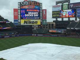 A lot of barefoot Curtis Granderson fans will be upset if this game gets rained out.