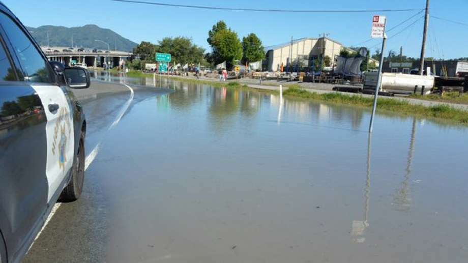 The Mill Valley exit from Highway 101 toward Stinson Beach was closed by a water main break. Photo: CHP Marin / /