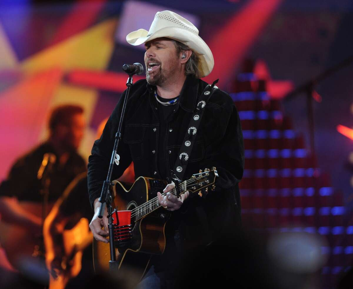 American Country Countdown Awards : Country music's biggest hitmakers are celebrated in this awards ceremony on Sunday, May 1st at 7/8 p.m. on Fox.