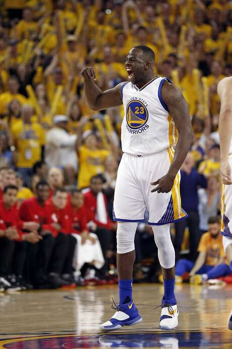 Golden State Warriors' Draymond Green celebrates his 1st quarter basket against Portland Trail Blazers during Game 1 of NBA Playoffs' Western Conference Semifinals at Oracle Arena in Oakland, Calif., on Sunday, May 1, 2016. Photo: Scott Strazzante, The Chronicle