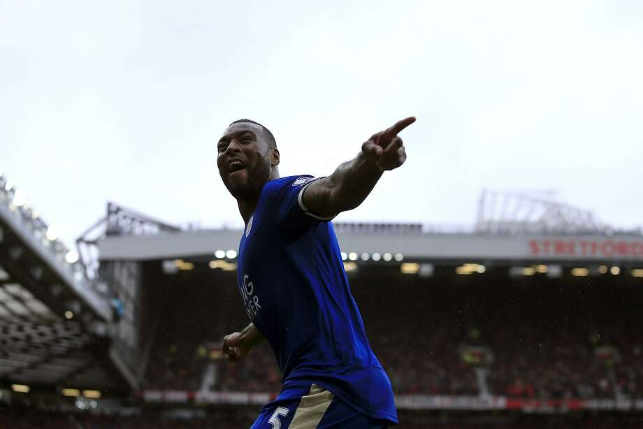 Leicester's Wes Morgan celebrates his equalizer. Photo: Jon Super, Associated Press