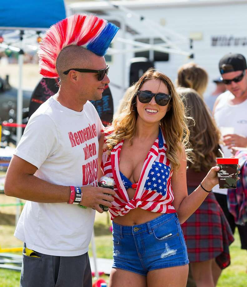Music fans attend 2016 Stagecoach California's Country Music Festival at Empire Polo Club on April 30, 2016 in Indio, California.  Photo: Mark Davis, Getty Images For Stagecoach