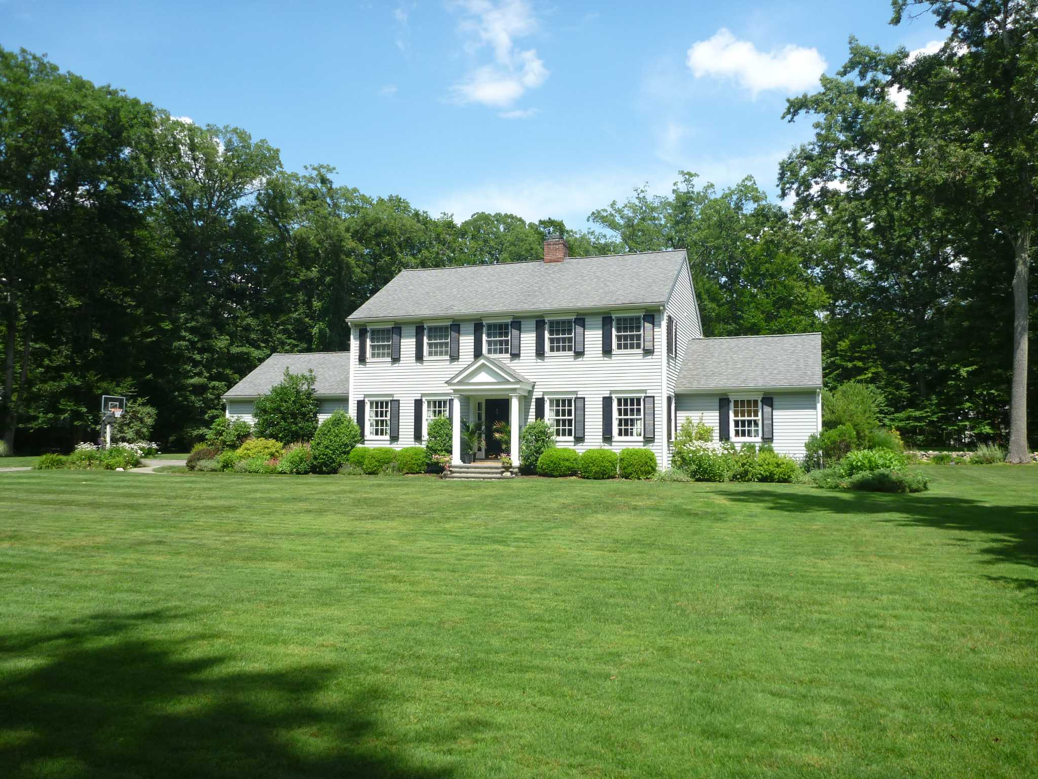 Colonial Real Estate : Real estate a connecticut colonial redesigned in darien