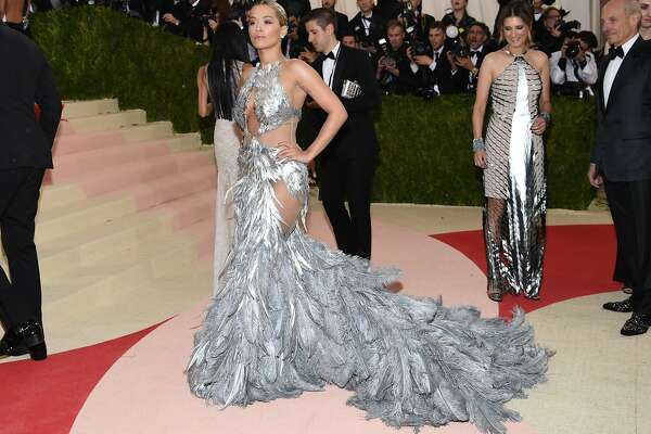 "Rita Ora wears a Vera Wang gown at The Metropolitan Museum of Art Costume Institute Benefit Gala, celebrating the opening of ""Manus x Machina: Fashion in an Age of Technology"" on Monday, May 2, 2016, in New York. (Photo by Evan Agostini/Invision/AP)"