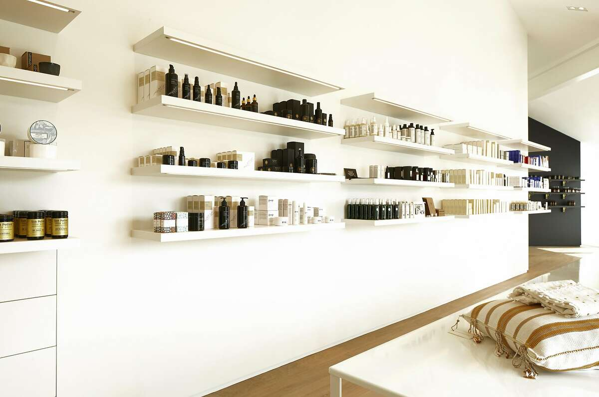 As a much bigger little sister to its 3,000-square-foot Fillmore Street flagship, the second floor spa boasts 11 treatment rooms and a large loft-like retail boutique featuring non-toxic brands like May Lindstrom, Josh Rosebrook and a dedicated In Fiore shop-in-shop.