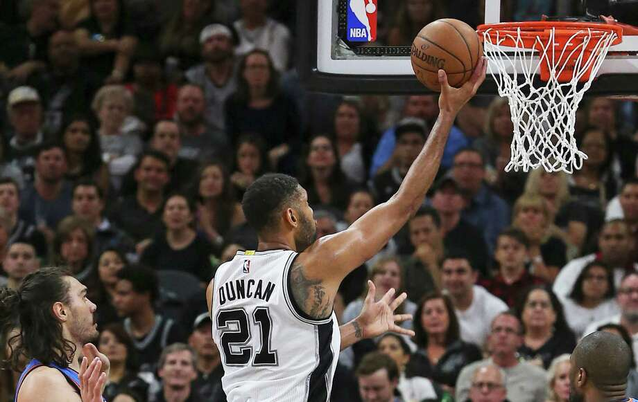 Tim Duncan puts up a shot at the hoop and misses in the first half as the Spurs host the Thunder in Game 2 of second round NBA playoff action at the AT&T Center on May 2, 2016. Photo: Tom Reel /San Antonio Express-News / 2016 SAN ANTONIO EXPRESS-NEWS