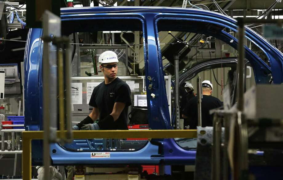 Toyota Motor Corp. has extended the shutdown of its manufacturing plant in San Antonio, shown here. The South Side plant and Toyota's other North American factories are scheduled to resume production on April 20. Photo: Bob Owen /Staff File Photo / San Antonio Express-News