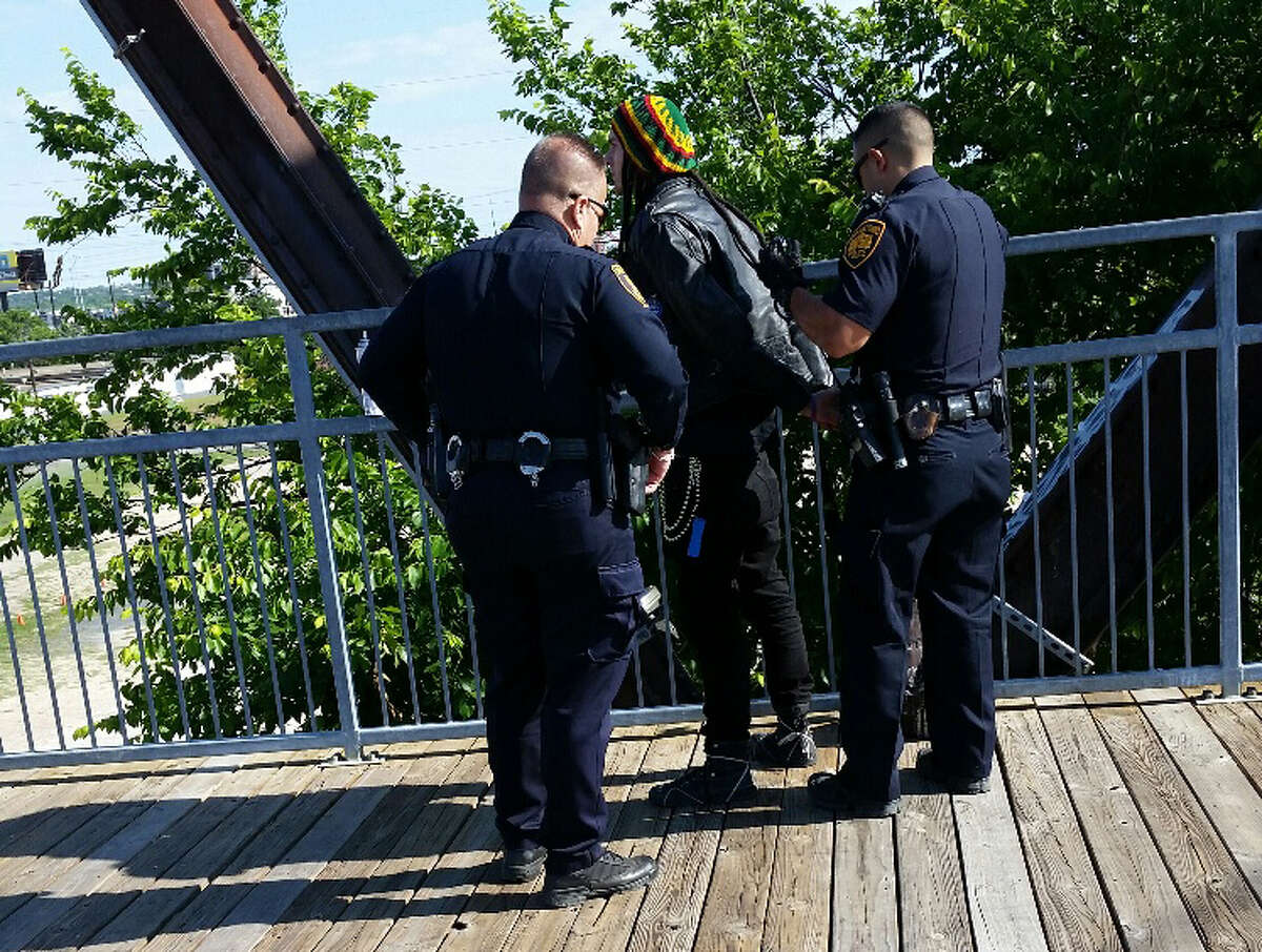 A suspected tagger, who allegedly caused more than $2,500 in damages, was caught in the act on Tuesday, May 3, 2016, at the Hays Street Bridge, according to SAPD.