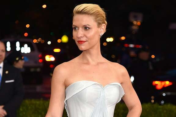 """NEW YORK, NY - MAY 02:  Claire Danes attends the """"Manus x Machina: Fashion In An Age Of Technology"""" Costume Institute Gala at Metropolitan Museum of Art on May 2, 2016 in New York City.  (Photo by Dimitrios Kambouris/Getty Images)"""