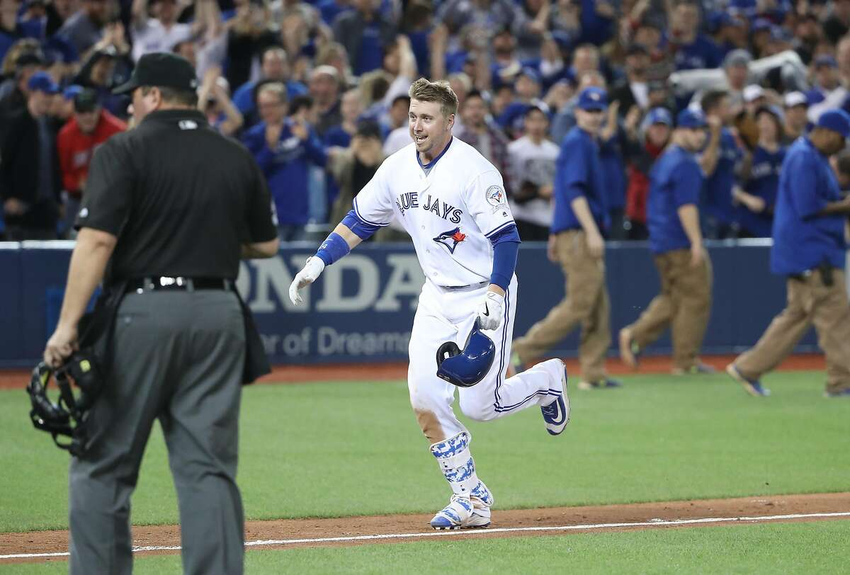 16. Toronto Blue Jays (16-16) Week 4 ranking: No. 15 First baseman Justin Smoak hit his first two homers of the season last week in a win over the Rangers. One tied the game in the ninth inning, the other won the game in the 10th. As a part-time player, Smoak is hitting .286 with an .836 OPS in 29 games.