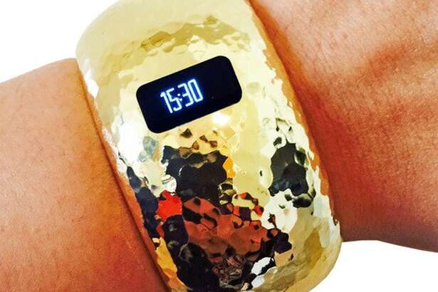 Funktional Wearables are worn over fitness trackers.